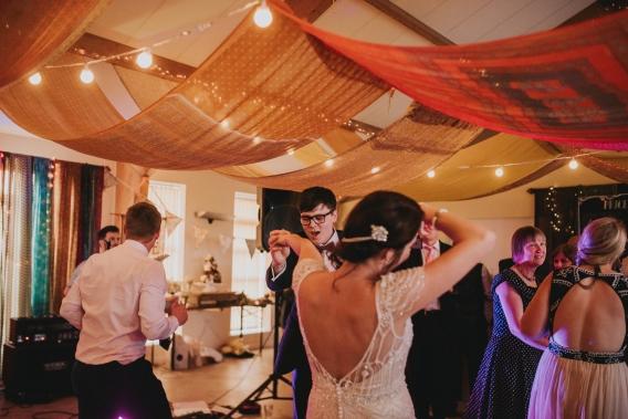 becky ryan photography - alternative wedding photography_5104