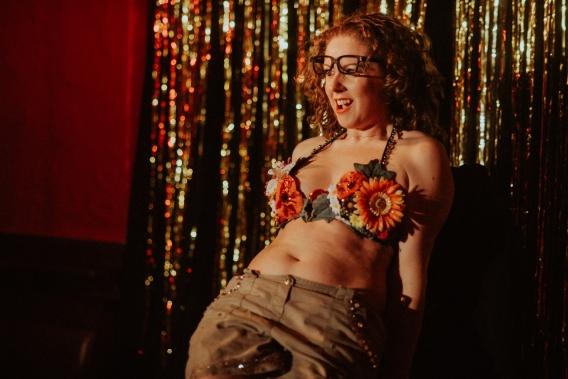 becky ryan burlesque photography - yippeeikay