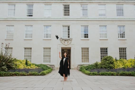 becky ryan photography - graduation photography nottingham